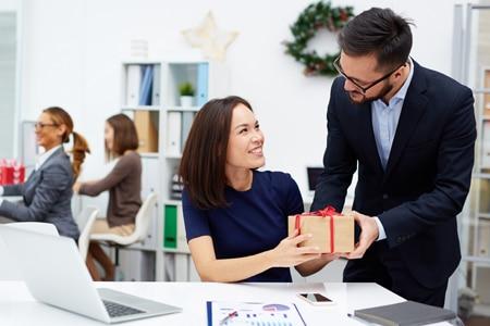 Die passenden Kundengeschenke zu finden, die auch steuerlich absetzbar sind, ist gar nicht so leicht.