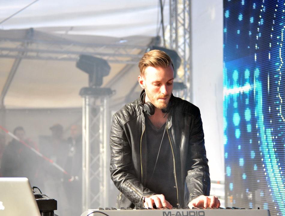 DJ Jerome von Kontor Records heizte den anwesenden Hörern ordentlich ein