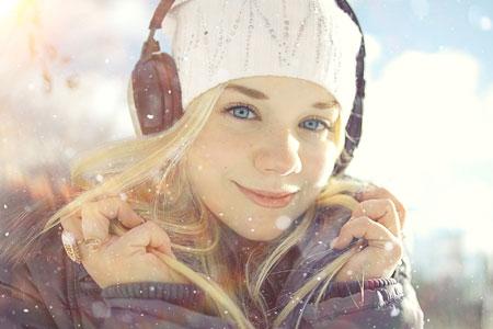 Radiowerbung zu Weihnachten Foto: Shutterstock